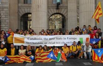 Fotos: la Via Catalana al món, el diumenge dia 1