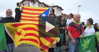Vídeo: cadena solidària amb Catalunya a Hendaia