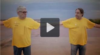 Quim Monzó i Juanjo Puigcorbé, en el darrer espot de la Via Catalana