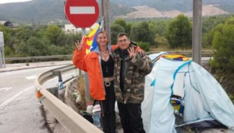Tres veïns munten guàrdia per impedir més sabotatges a la Via a Alcanar