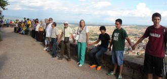 Més de 200 solsonins assagen amb èxit la Via Catalana al Castellvell