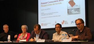 Cinc savis re-pensen Catalunya a Ripoll en ple procés sobiranista