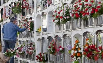 L'Ajuntament de Girona pacta un enterrament bàsic un 33% més barat