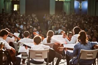 Els alumnes de l'Escola de Música omplen l'església de Sant Esteve