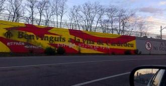 Acte vandàlic contra el mural independentista de Cardedeu