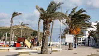 Activats els avisos de perill per fort vent  puntualment huracanat