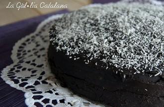 Pastís de xocolata amb crema de coco