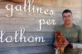Lloga la teva gallina per sis euros al mes