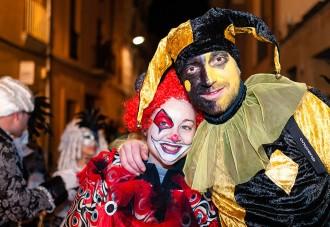 Les rues de Carnaval omplen de color els carrers de nou poblacions d'Osona