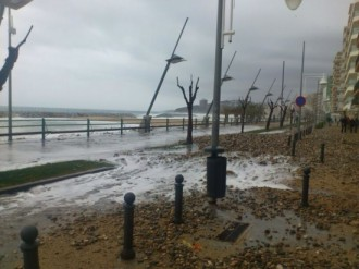 Sorra, còdols i alguns carrers inundats al Baix Empordà