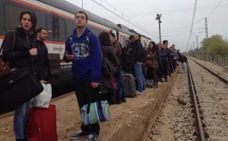 Incidents a l'#avuinopaguem per una avaria al tren i la intervenció dels Mossos