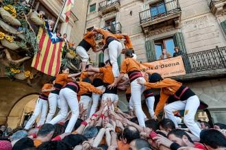 El Mercat del Ram torna a unir Xics, Sagals i Castellers de Barcelona