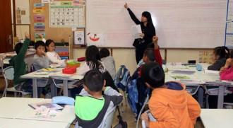 Classe de xinès en diumenge als alumnes d'origen asiàtic d'Olot