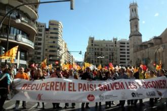 Milers de persones reclamen un canvi polític al País Valencià
