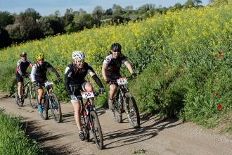 Gairebé dos-cents ciclistes participen a la BTT Cases Noves