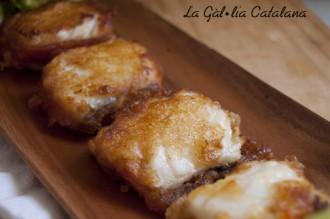 Llibrets de bacallà amb sobrassada i tempura de mel