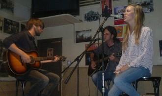 Beth torna als orígens amb un concert al Firabar de Cardona