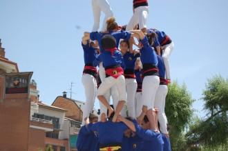 Els Castellers de Berga miren de reüll el 2 de 7 i 4 de 8