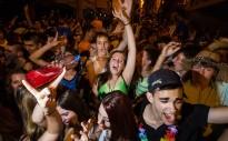 El Carnaval d'estiu de Torelló reuneix centenars de joves