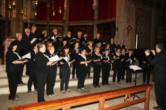 Les veus de la Coral Joia de Maig d'Anglesola omplen la Catedral de Solsona