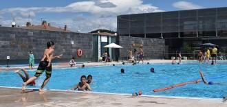 Més de 600 piscines participen al «Mulla't per l'esclerosi múltiple»