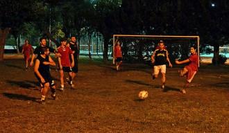Els Kampionats Esportius Nocturns de Súria apleguen 100 joves
