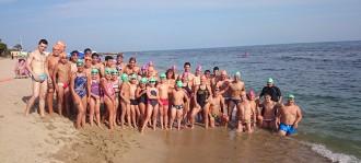 Inauguren el primer carril de natació en aigües obertes a la platja del Cavet