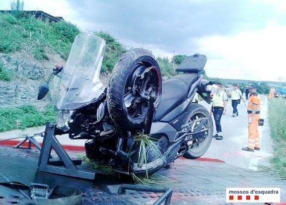 Una conductora beguda i drogada provoca un accident de trànsit a l'Esquirol