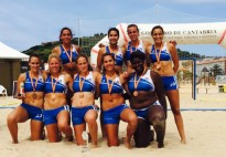 L'handbol platja també sap guanyar medalles