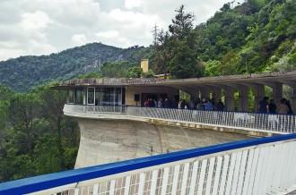 Tornen les visites a la presa del Pantà de Sau