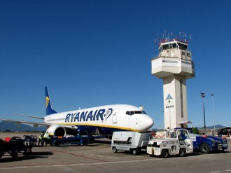 Menys passatgers volen des de l'aeroport de Girona aquest 2014
