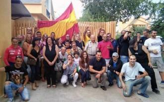 L'ultradreta de Democracia Nacional s'exhibeix a Cardedeu