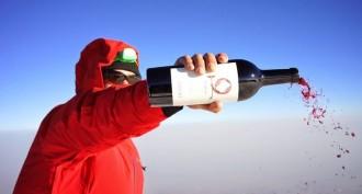 El rècord mundial en llançament de vi, al Mont Ararat de 5.137 metres