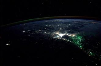 Què són aquestes llums verdes de la Terra que es veuen des de l'espai?