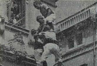 La primera actuació de festa major dels Castellers de Vilfranca