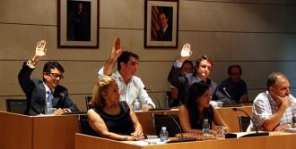 El PP de Salou es queda sol votant que Jordi Pujol deixi de ser «honorable»