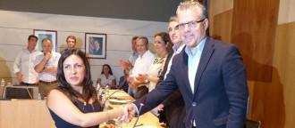 Núria Buira pren possessió del càrrec de nova regidora a Salou