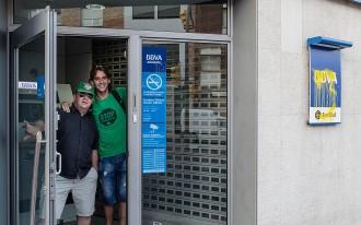 La PAH estén les protestes contra el BBVA de Manlleu a altres oficines