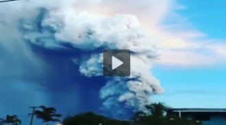Graven l'espectacular erupció del volcà Tavurvur a Papua Nova Guinea