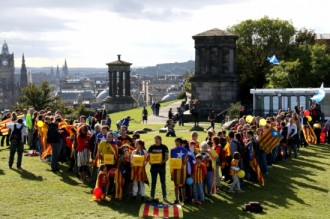Edimburg assaja la V a 20 dies del referèndum escocès