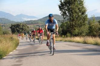 Una setantena de bicicletes clàssiques a la primera Retrotrobada Ciclista