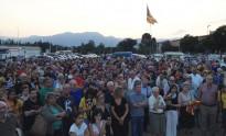 Tortosa per la independència planta una estelada gegant a l'entrada de la ciutat