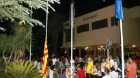 Deltebre hissa la bandera negra en senyal de resistència
