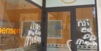 Pintades contra Masagué a la seu de CiU a Torredembarra