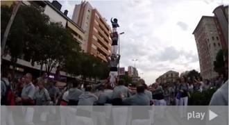 Els Castellers de Sants fan caminar un pilar 650 metres