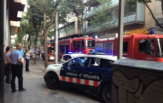 Un incendi en una botiga obliga a desallotjar un edifici a Girona
