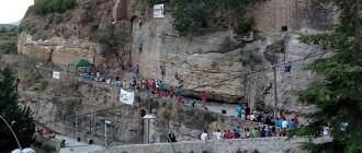 Els escaladors demanen que no es retirin les vies de la balma de la Seu