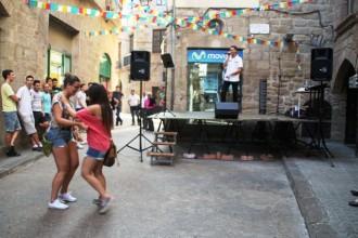 Marc Anglarill posa el fi de festa a la celebració dels 50 anys del Bar Castell