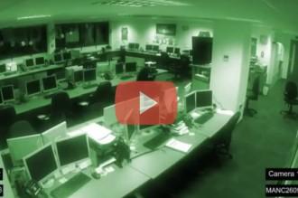 Surt a la llum el vídeo d'una càmera de seguretat que l'any 2012 va gravar un fantasma en una oficina [VÍDEO]