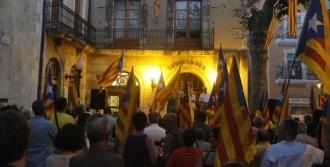 Entitats i ajuntament del Vendrell recolzen el president Mas i la consulta
